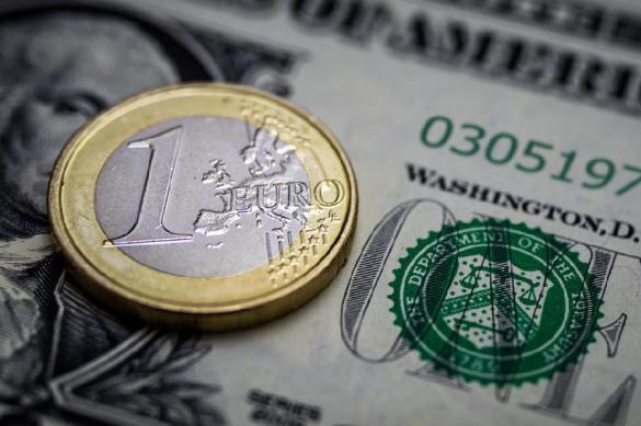 Социологи: большинству россиян безразличны доллар и евро. Социологи: большинству россиян безразличны доллар и евро