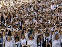 Девочки и женщины всего мира устроили флешмоб против насилия. 281007.jpeg