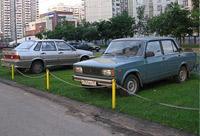 Велика Москва, а поставить автомобиль негде