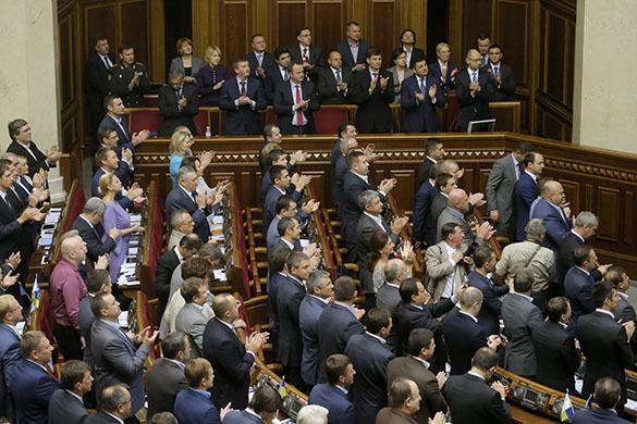 Правительство  Украины получило право ввести моратория на выплату долгов. Рада