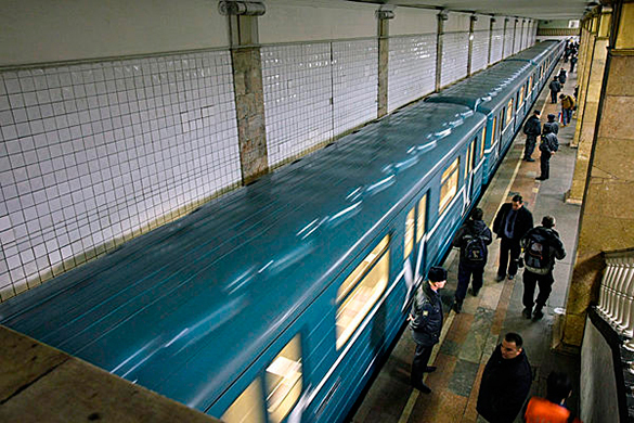 Пассажиры московского метро теряют сознание от жары. 321009.jpeg