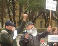 Правозащитники и Лимонов: что у них общего?
