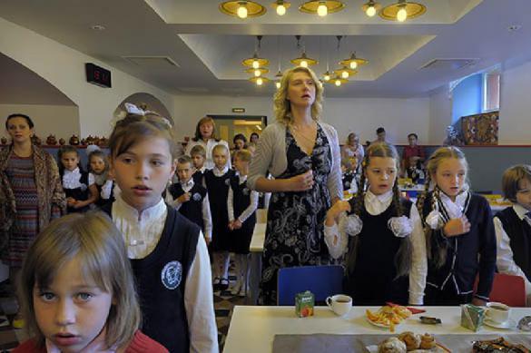 """""""Немытые"""" повар и посудомойка отравили 62 ребенка в лагере. 388011.jpeg"""