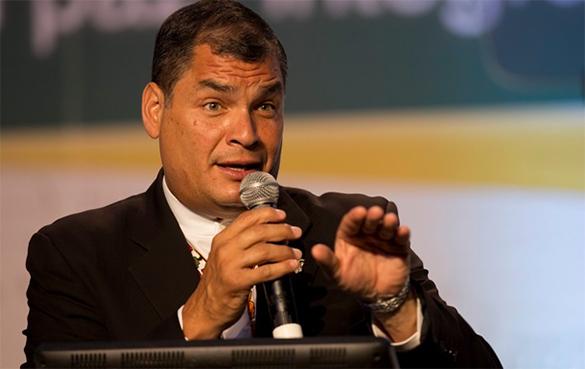 Стоимость подарков для госслужащих Эквадора не превысит МРОТ страны. Рафаэль Корреа, президент Эквадора