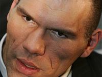 Валуев защитит свой титул в бою с британцем в Германии