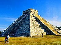 Мексиканские власти пытаются вернуть туристов