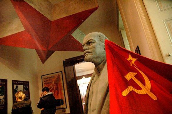 Британская студентка повергла в шок профессора, оправдав коммунизм. 382016.jpeg