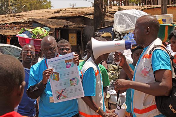 Изоляция жителей помогает в борьбе с вирусом Эбола. Изоляция помогла остановить вирус Эбола