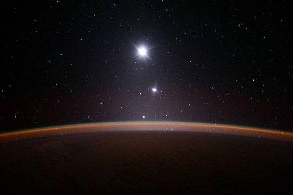 Воскресным утром жители Земли увидят сближение Венеры иЮпитера. 379018.jpeg