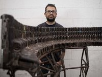 Мексиканец сделал музыкальные инструменты из оружия. 281021.jpeg