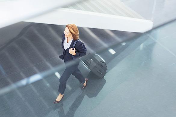 Госконтроль Эстонии о росте эмиграции молодежи из страны: Утечка мозгов нам не грозит. аэропорт,турист,чемодан,путешествие,бизнес