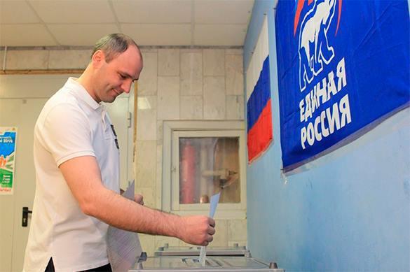 Активисты ОНФ получают голоса на предвыборах ЕР
