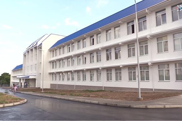 В Севастополе открылась новая школа — первая после воссоединения Крыма с Россией. 375022.jpeg