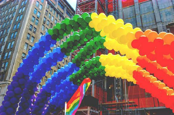 Казаки с плетками погонят геев по Урюпинску