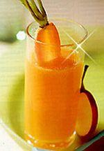 В банановом и морковном соках содержится витамин В6, который