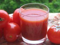 Риск заболевания раком снижает и томатный сок. Содержащийся в
