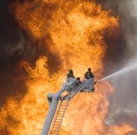 В сгоревшем игровом клубе в Москве обрушилась крыша