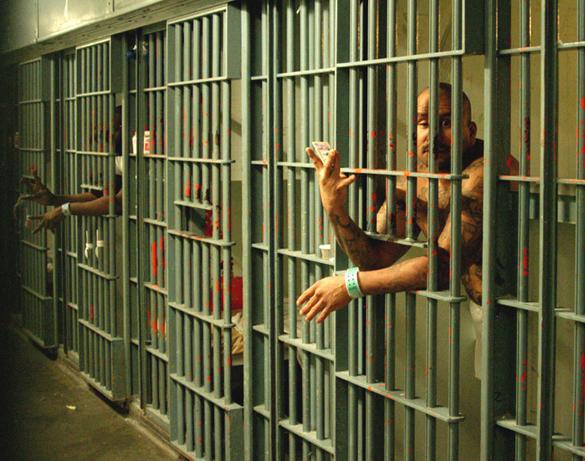 Воздалось: В США надзиратель тюрьмы получил кровоизлияние в мозг, попросив заключенного вернуться в камеру. 317027.jpeg