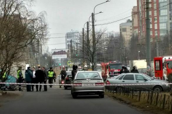 В Санкт-Петербурге из квартиры-бомбы вывели сломанных боевик