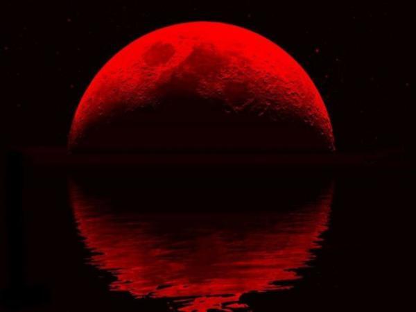 """Над Москвой взойдет гигантская """"кровавая"""" Луна. Над Москвой взойдет гигантская кровавая Луна"""