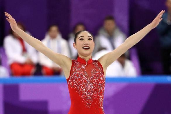 Корейская фигуристка случайно разделась на олимпийском льду. Корейская фигуристка
