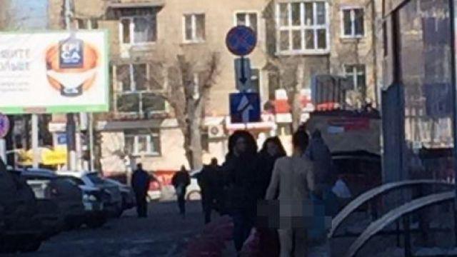 Голая дама прогулялась по Новосибирску