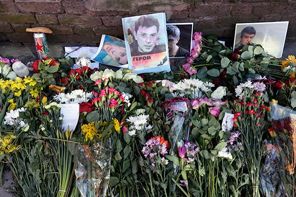 МИД: убийство Немцова используется Западом для давления на Россию. Борис Немцов, цветы
