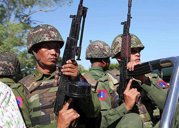 В Мьянме в столкновении правительственных сил и боевиков погибли 400 человек. В Мьянме в столкновении правительственных сил и боевиков погибли