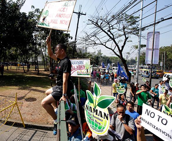 """Знаменитый """"бегущий священник"""" встал на защиту народных земель на Филиппинах. 289033.jpeg"""