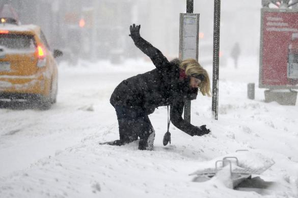 На Украине 300 городов и сел остались без света из-за метели. На Украине 300 городов и сел остались без света из-за метели