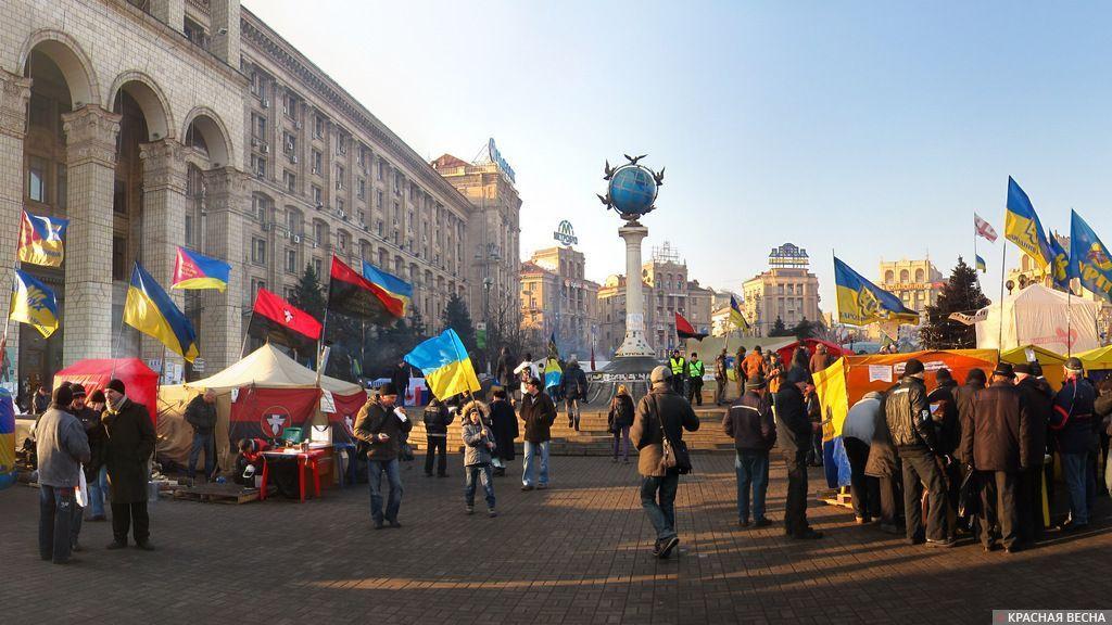 В Киеве начался марш сторонников Саакашвили за импичмент Порошенко. В Киеве начался марш сторонников Саакашвили за импичмент Порошен