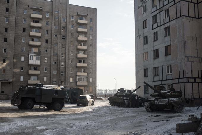Обострение в Донбассе: ввеедены танки в Авдеевку, заблокирована
