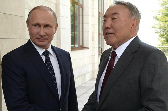 В Кремле сообщили о разговоре Путина с Назарбаевым 19 марта - но без подробностей.