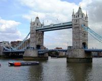 В Лондоне сорвался лифт в башне Тауэрского моста
