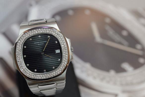 Уеще одной уборщицы «Газпрома» украли дорогущие часы