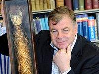 Владелец гостиницы обнаружил в мансарде 2000-летнюю мумию кошки. 281041.jpeg