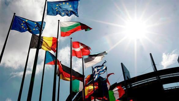 Главная фракция Европарламента призывает готовиться к войне с Россией. Европарламент