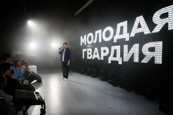 В России создадут отряды для борьбы с кидающейся камнями оппозицией. В России создадут отряды для борьбы с кидающейся камнями оппозиц