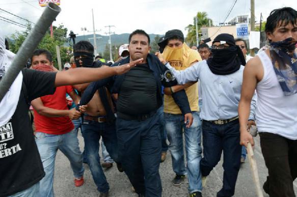 Сотрудники завода Coca-Cola в Мексике начали бастовать из-за низкой оплаты труда. 399042.jpeg