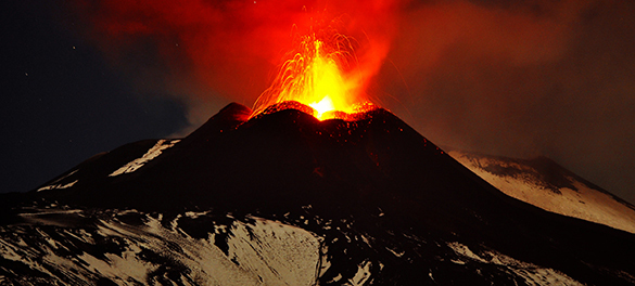 Власти Чили эвакуировали больше тысячи человек из-за извержения вулкана. В Чили начал извержение вулкан