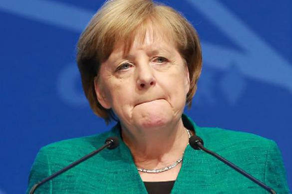 Меркель поддерживает только согласованные санкции против России. 399043.jpeg