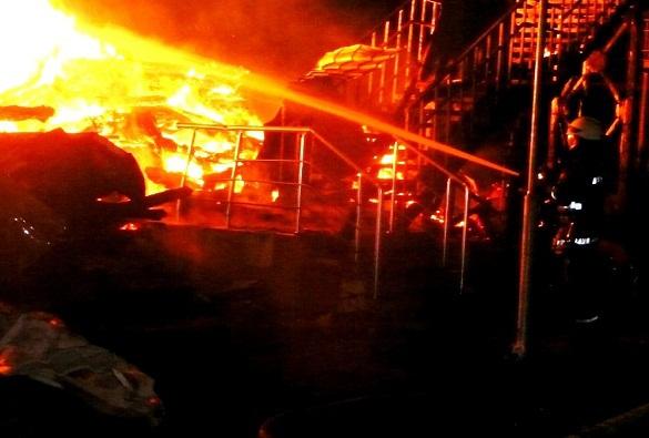 Одесса: Родители детей из сгоревшего лагеря протестуют у горсовета. 376044.jpeg