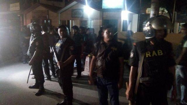 ЧП в столице Бангладеш: около аэропорта подорвался смертник