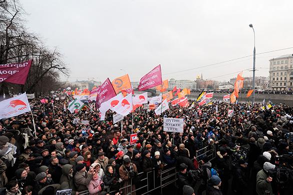 Оппозиция снова примеряется маршировать