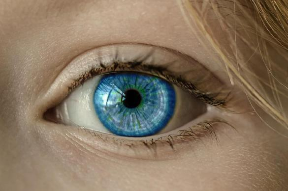 В России слепая пациентка прозрела после вживления бионического глаза. В России слепая пациентка прозрела после вживления бионического