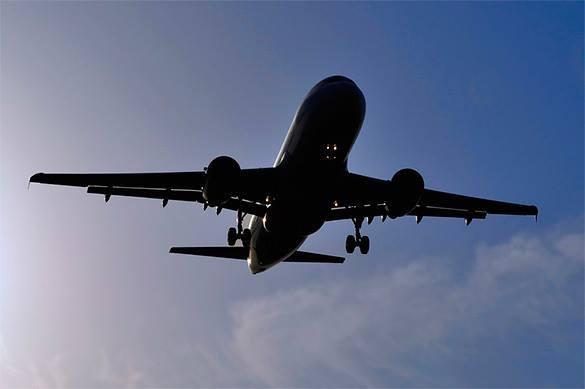 Пенсионер домогался второклассницу в летящем над Сибирью самолет