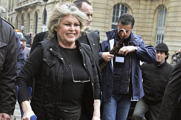 Французская звезда Брижит Бардо призвала не голосовать за Макрон