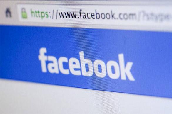Социальная сеть Facebook работает над распределением новостной ленты надве колонки