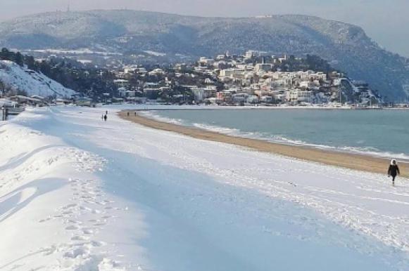 """""""Зверь с востока"""": В Европе 60 человек погибли из-за сильнейших снегопадов. Зверь с востока: В Европе 60 человек погибли из-за сильнейших"""