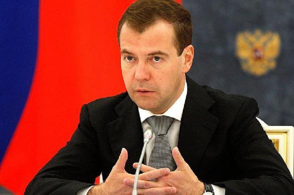 """Медведев предупредил о """"не самом легком"""" 2018 годе. Медведев предупредил о не самом легком 2018 годе"""